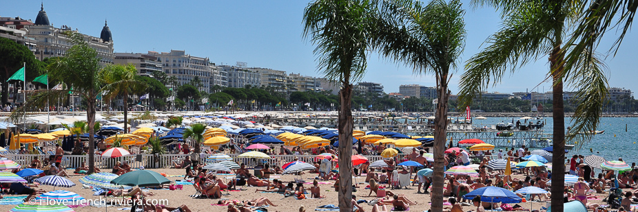 La Croisette and the beaches of Cannes. A nice walk of 7 kilometers along the waterfront from our apartment La Napoule.
