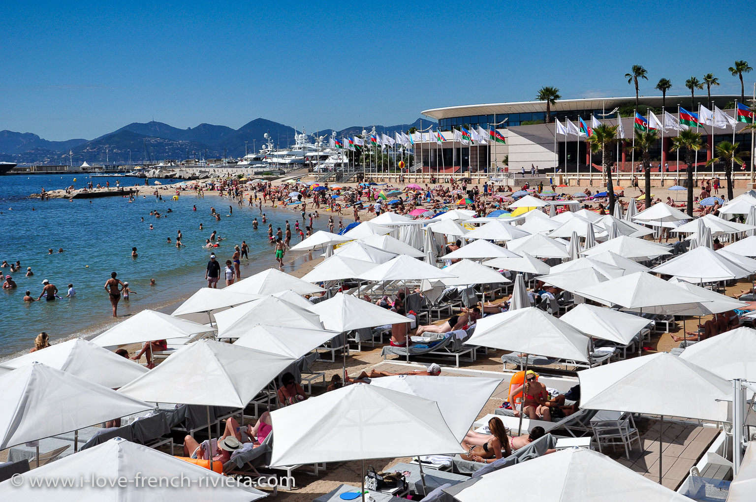 Cannes and its famous Palais des Congres, the Croisette and its beaches are easily accessible.